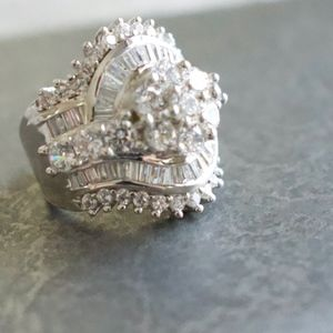 White Cubic Zirconia SS Statement Ring Size 6